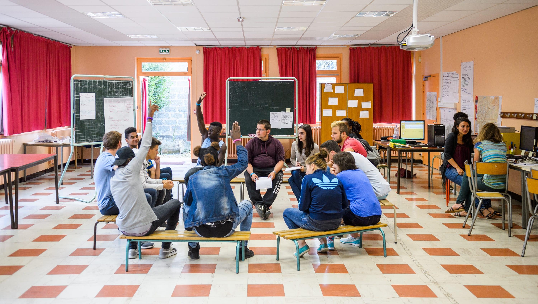 Former les jeunes à l'entrepreneuriat coopératif en un été