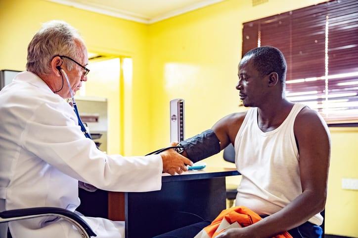 Améliorer le parcours de soins des plus précaires